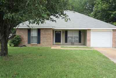 Byram Single Family Home For Sale: 26 Stacey Cv