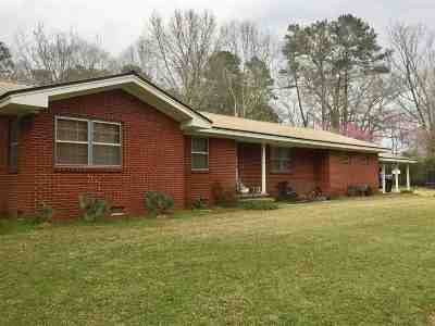 Smith County Single Family Home For Sale: 718 W Hwy 28