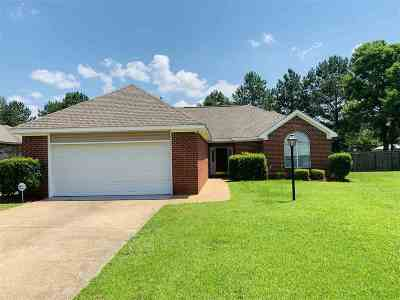 Byram Single Family Home For Sale: 4 Old Bridge Cv
