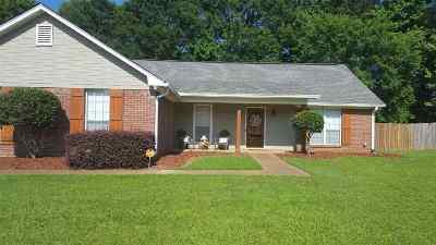 Byram Single Family Home Contingent/Pending: 919 Mountain Crest Dr