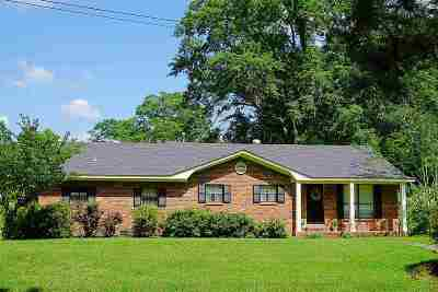Carthage Single Family Home Contingent/Pending: 410 N Jordan St