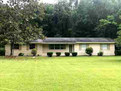 Single Family Home Contingent/Pending: 528 Seventh Day Rd