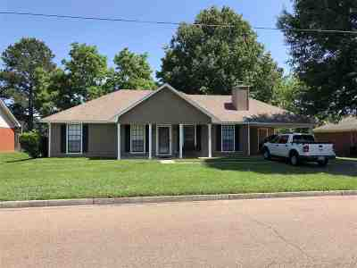 Ridgeland Single Family Home Contingent/Pending: 314 Beaver Creek Dr