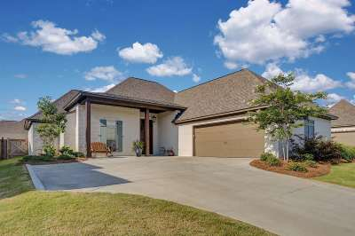 Flowood Single Family Home Contingent/Pending: 807 Harvest Xing