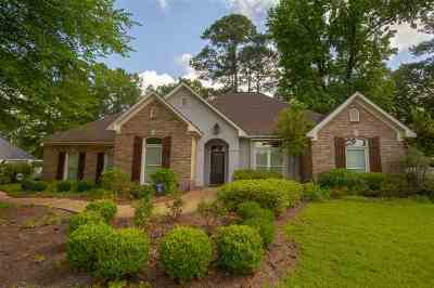 Ridgeland Single Family Home Contingent/Pending: 610 Winteridge Pl