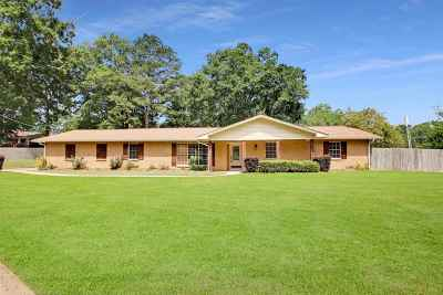 Pearl Single Family Home Contingent/Pending: 601 Pemberton Dr