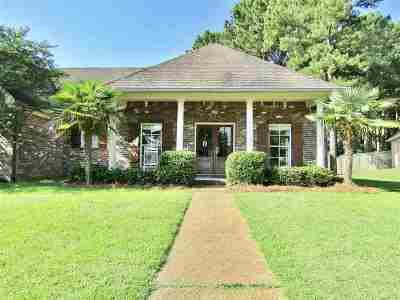 Madison Single Family Home Contingent/Pending: 101 Deer Creek Dr
