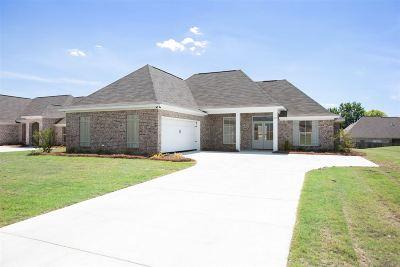 Madison Single Family Home For Sale: 505 Carpenter Cv