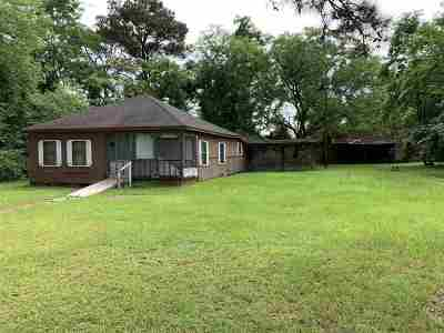 Smith County Single Family Home For Sale: 275 Magnolia Dr