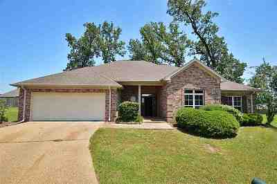 Byram Single Family Home For Sale: 409 Kingston Cv