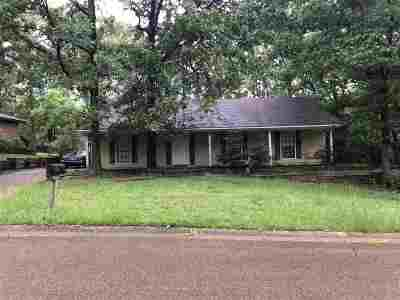 Madison County Single Family Home Contingent/Pending: 746 Green Forest Rd