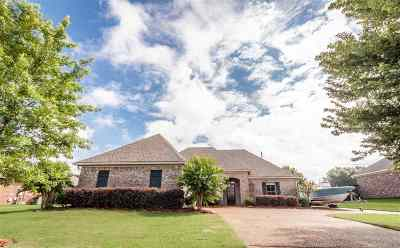 Rankin County Single Family Home Contingent/Pending: 106 Tucker Ln