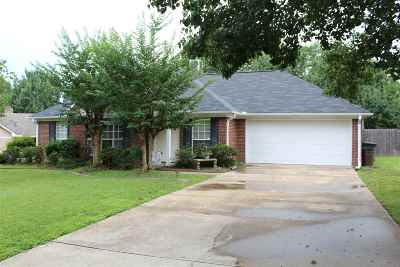 Madison Single Family Home Contingent/Pending: 305 North Place Dr