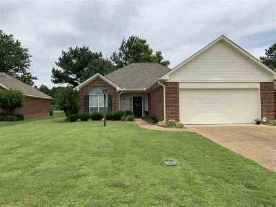 Byram Single Family Home Contingent/Pending: 12 Old Bridge Cv
