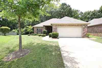 Brandon Single Family Home Contingent/Pending: 607 Helm Ct