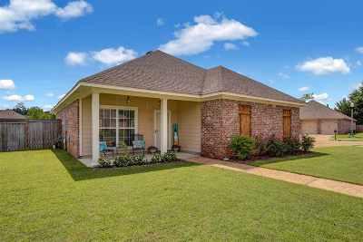 Brandon Single Family Home Contingent/Pending: 702 Hartwood Cv