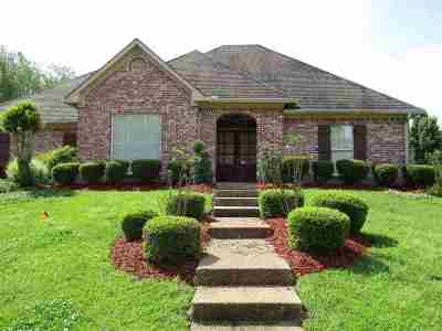 Madison Single Family Home For Sale: 107 Deer Creek Cv
