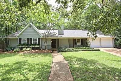 Brandon Single Family Home Contingent/Pending: 237 Magnolia Trail