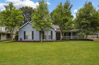 Madison Single Family Home For Sale: 445 Brookstone Dr