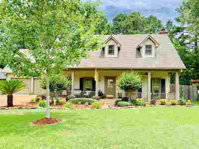 Brandon Single Family Home Contingent/Pending: 608 Tenby Ct