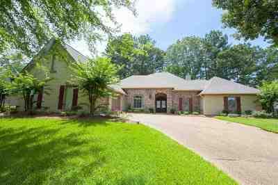 Madison Single Family Home For Sale: 221 Kingsbridge Rd