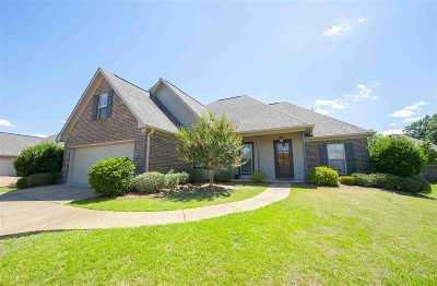 Brandon Single Family Home For Sale: 406 Garden Park Cv