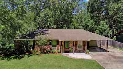 Ridgeland Single Family Home Contingent/Pending: 209 Walnut St