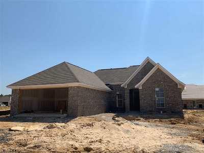 Brandon Single Family Home Contingent/Pending: 1306 Augusta Dr
