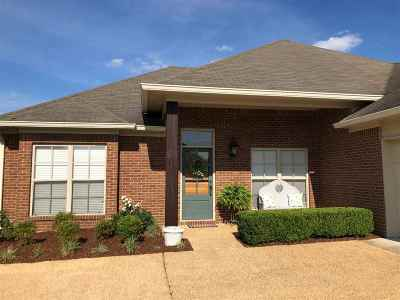 Brandon Single Family Home For Sale: 513 Kate Lofton Dr