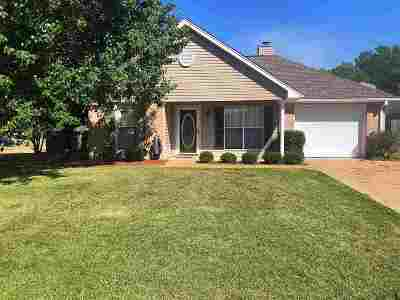 Byram Single Family Home Contingent/Pending: 21 Edna Cv