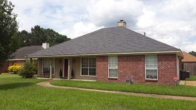 Byram Single Family Home Contingent/Pending: 460 Azalea Cv