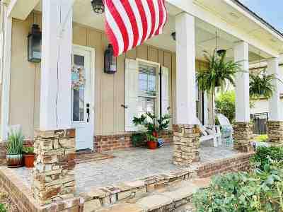 Brandon Single Family Home For Sale: 709 Arbor Run