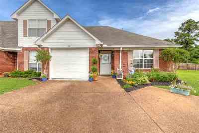 Brandon Townhouse For Sale: 408 Woodlake Ln