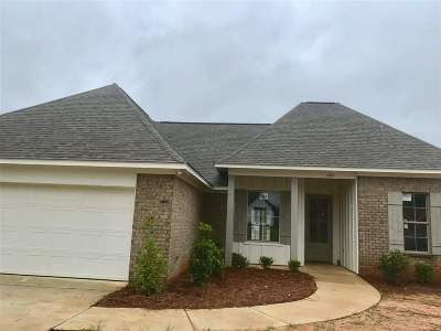 Canton Single Family Home Contingent/Pending: 403 Buttonwood Lane