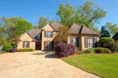 Madison Single Family Home For Sale: 18 Bonne Terre Blvd