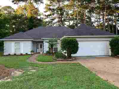 Ridgeland Single Family Home For Sale: 469 Shadowood Dr