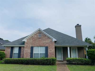 Pearl Single Family Home Contingent/Pending: 807 Lynwood Ln
