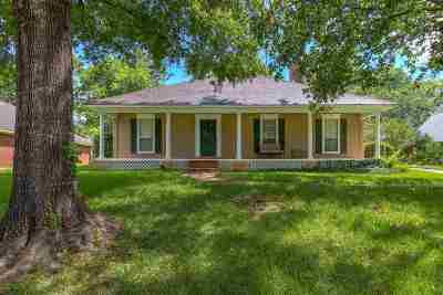 Madison Single Family Home For Sale: 228 Hawthorne Dr