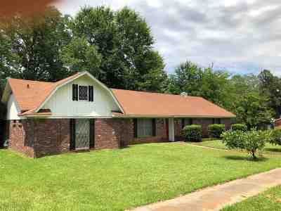 Clinton Single Family Home Contingent/Pending: 1517 Old Vicksburg Rd