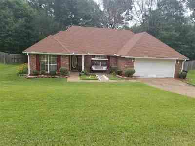 Byram Single Family Home For Sale: 1452 Forbes Dr