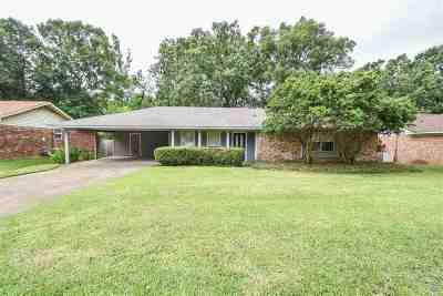 Clinton Single Family Home For Sale: 117 Trailwood Dr