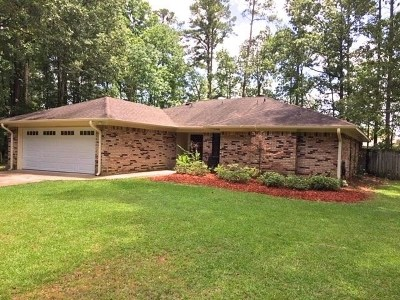 Brandon Single Family Home Contingent/Pending: 513 Camelia Trl