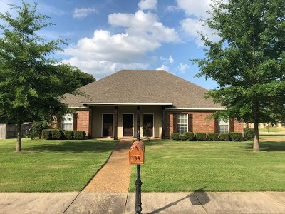 Madison Single Family Home For Sale: 134 Providence Dr