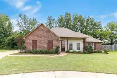 Madison Single Family Home For Sale: 188 Lakeway Dr