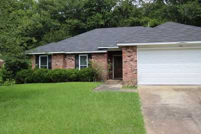 Byram Single Family Home Contingent/Pending: 440 Siwell Meadow Dr