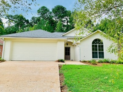 Brandon Single Family Home For Sale: 256 Azalea Ct