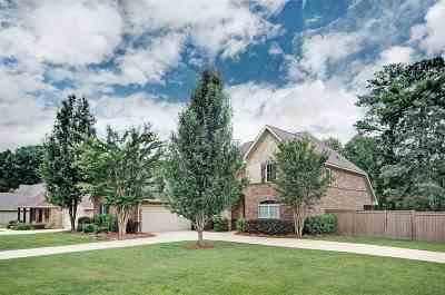 Single Family Home For Sale: 136 Glen Arbor Ct