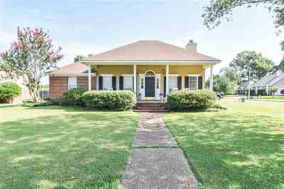 Flowood Single Family Home For Sale: 12 Windwood Cir