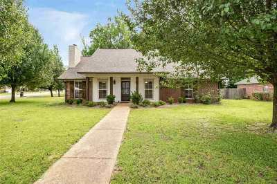 Madison County Single Family Home Contingent/Pending: 138 Planters Row