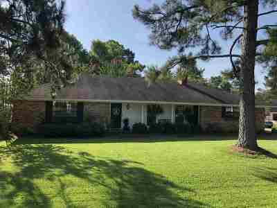 Scott County Single Family Home Contingent/Pending: 205 Westover Dr